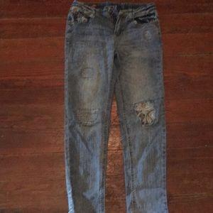 Young girls boyfriend Arizona jeans